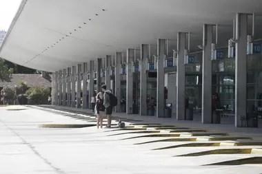 Está bloqueado el acceso a las dársenas de la terminal