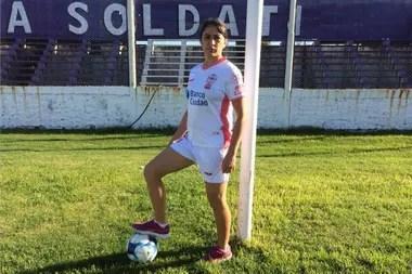 Peralta dice que es feliz en Sacachispas, el club que es también su casa. Construyó su carrera como delantera de Huracán