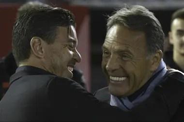 Russo y Gallardo, cuando el primero dirigía a Alianza Lima, en un encuentro entre el conjunto peruano enfrentó a River por la Copa Libertadores.