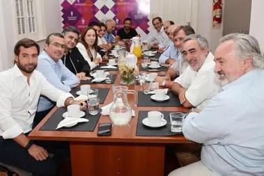 Vidal, en una reunión con dirigentes opositores bonaerenses, en marzo pasado
