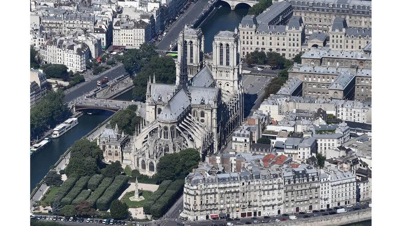 La catedral de Notre-Dame foto: AFP Jean Sebastien Evrard