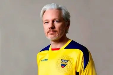 El ministro del Interior británico aprueba la extradición de Assange a EEUU por falta de la decisión judicial