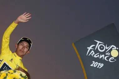 El colombiano Egan Bernal es el último ganador de la carrera ciclística más emblemática del mundo