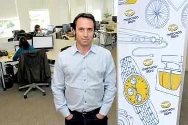 El artículo recuerda que Galperin, el segundo argentino más rico, dejó de ser CEO de Mercado Libre a inicios de este año