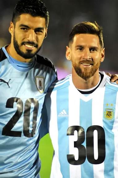 Luis Suárez y Lionel Messi promovieron la precandidatura Argentina-Uruguay para el Mundial de 2030, cuando se cumplirá una centuria de aquel primero que ambos países definieron en el estadio Centenario, de Montevideo.