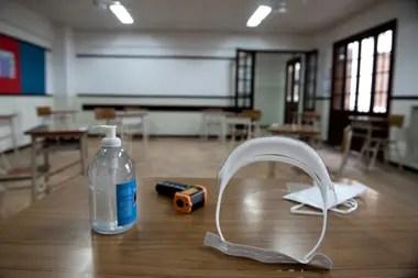 Los elementos de protección y de higiene estarán presentes en las aulas