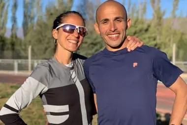Martín y su novia Mariela Ortiz, destacada maratonista argentina.