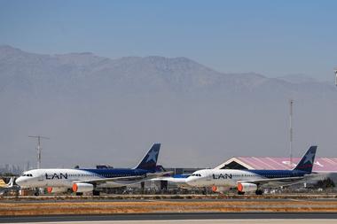 Latam, la compañía aérea más grande de América Latina, se declaró en quiebra este martes en Estados Unidos