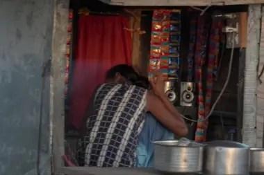 Los baccharas son relativamente pobres en India y confían en sus mujeres para mejorar la situación económica