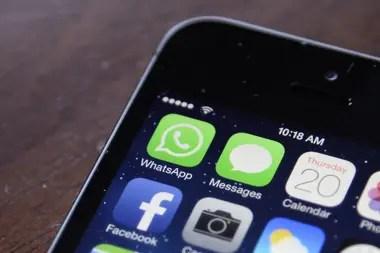 La ejecutiva de Políticas y Comunicaciones de la red de mensajería anuncia las medidas que tomarán para evitar fake news en la campaña