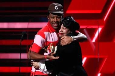 Tyler The Creator recibió el gramófono acompañado de su madre