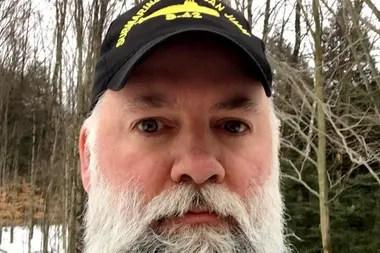"""Edward Michael, el exmarino estadounidense que ofició de """"Papá Noel"""" para los hijos de los tripulantes del ARA San Juan"""