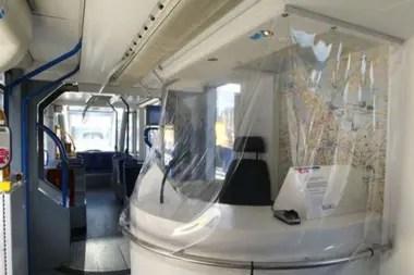 Los tranvías están casi vacíos, pero en el confinamiento holandés no todo está cerrado.
