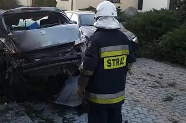 Los bomberos llegaron rápidamente para rescatar al conductor