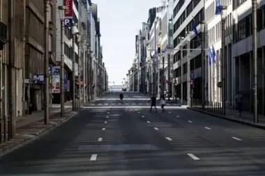 Las calles de Bruselas, como las de muchas otras ciudades, permanecen vacías
