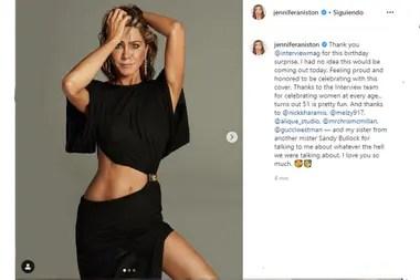 Jennifer Anistom celebró sus 51 años con una sensual producción para una revista