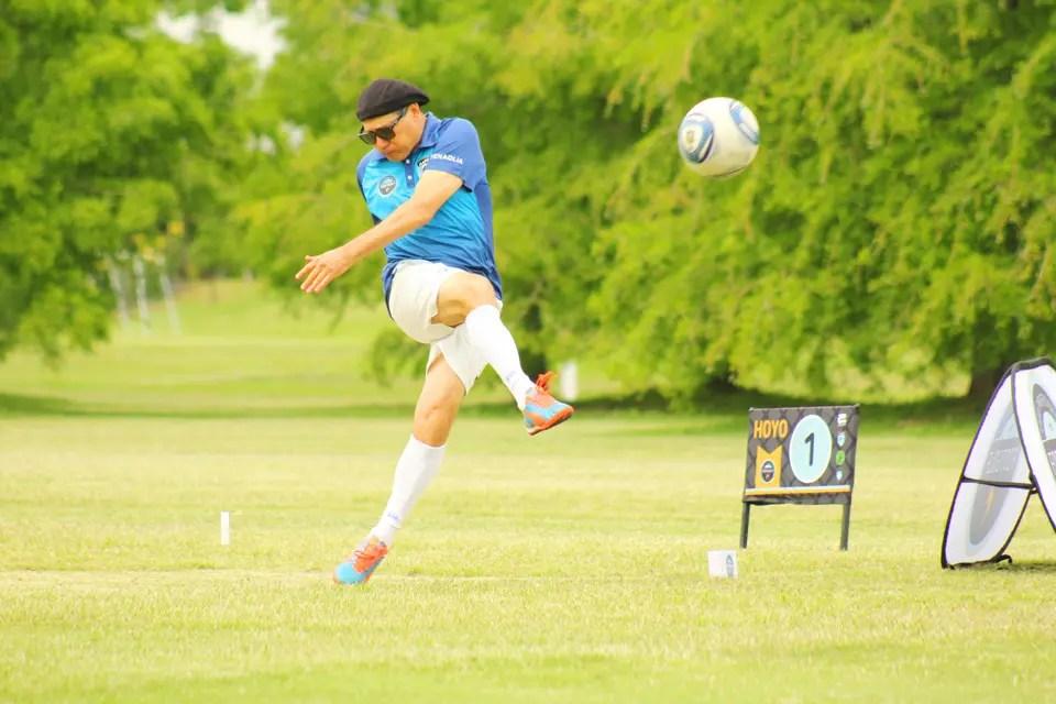 Este mes se disputa en el país el segundo mundial del deporte creado por un holandés, que cruza el fútbol y el golf, y que cosechó en Argentina miles de fanáticos, entre ellos, el Mago Capria.