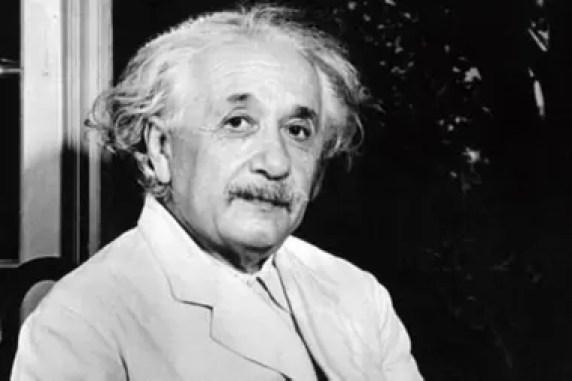 La forma circular del material que está cayendo en el agujero negro concuerda con las predicciones de Einstein
