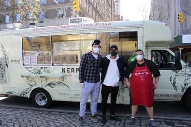 Max Crespo produce pizzas para alimentar a los trabajadores de salud