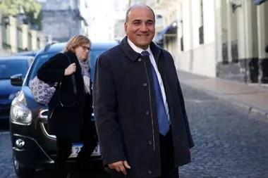 El gobernador de Tucumán, Juan Manzur, uno de los jefes provinciales que impulsa su candidatura