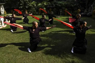 Las monjas decidieron recurrir a las artes marciales para combatir estereotipos sobre el papel de la mujer en esa región