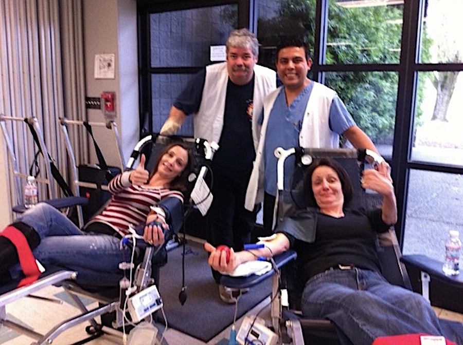 Giving Blood: What to Expect & 5 Benefits of Donating