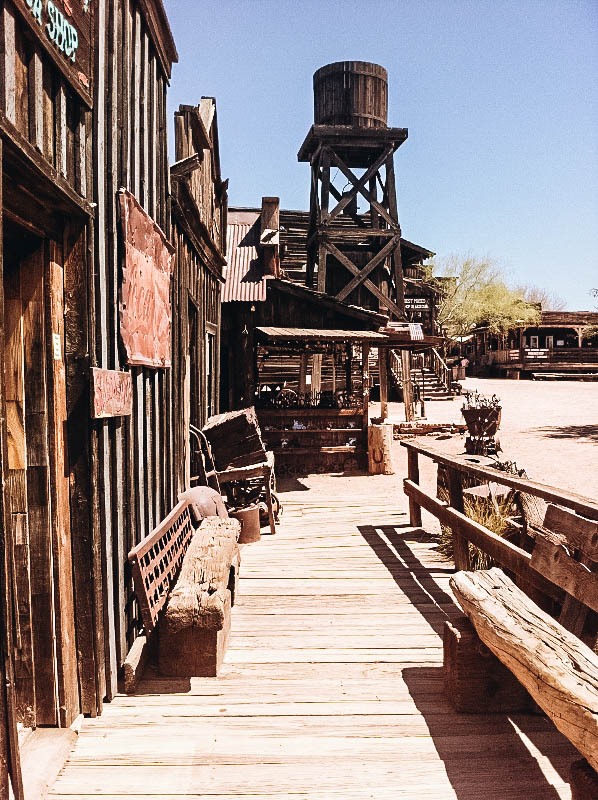 A Guide to Visiting Goldfield Ghost Town in Arizona