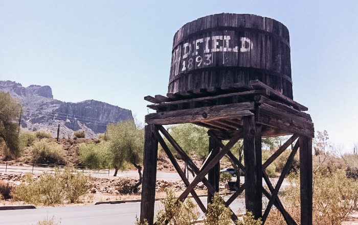 the drive to Window at Arizona's Goldfield Ghost Town