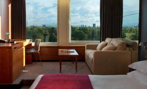Garden Room at Royal Garden Hotel in London