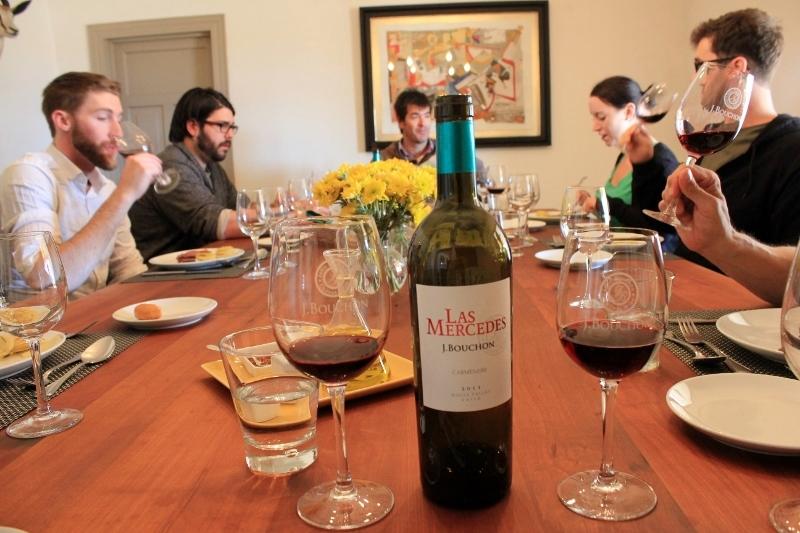J. Bouchon Table