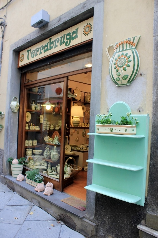 Pottery Shop in Cortona