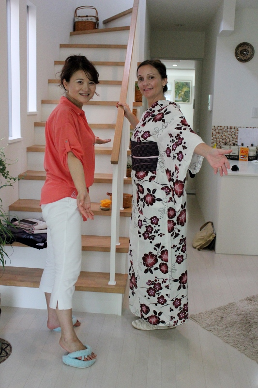 Annette White getting a Kimono Fitting in Japan