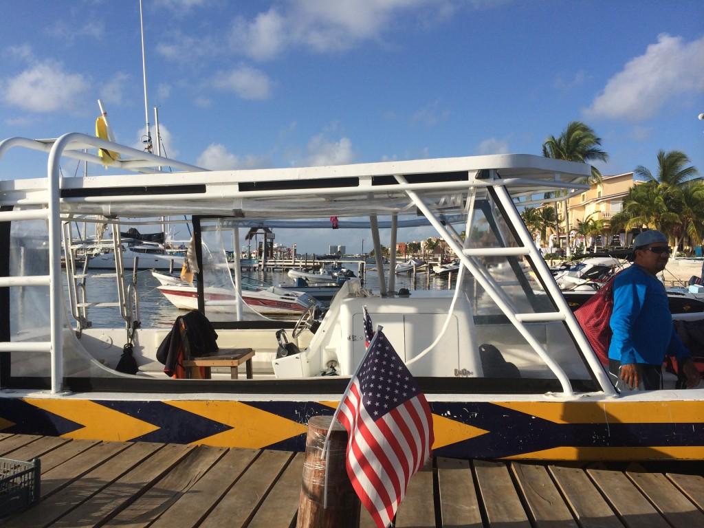 Whale Shark boat Cancun
