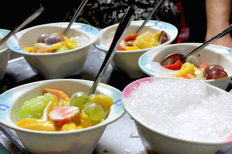 Che Thai in Hanoi, a Vietnamese dessert