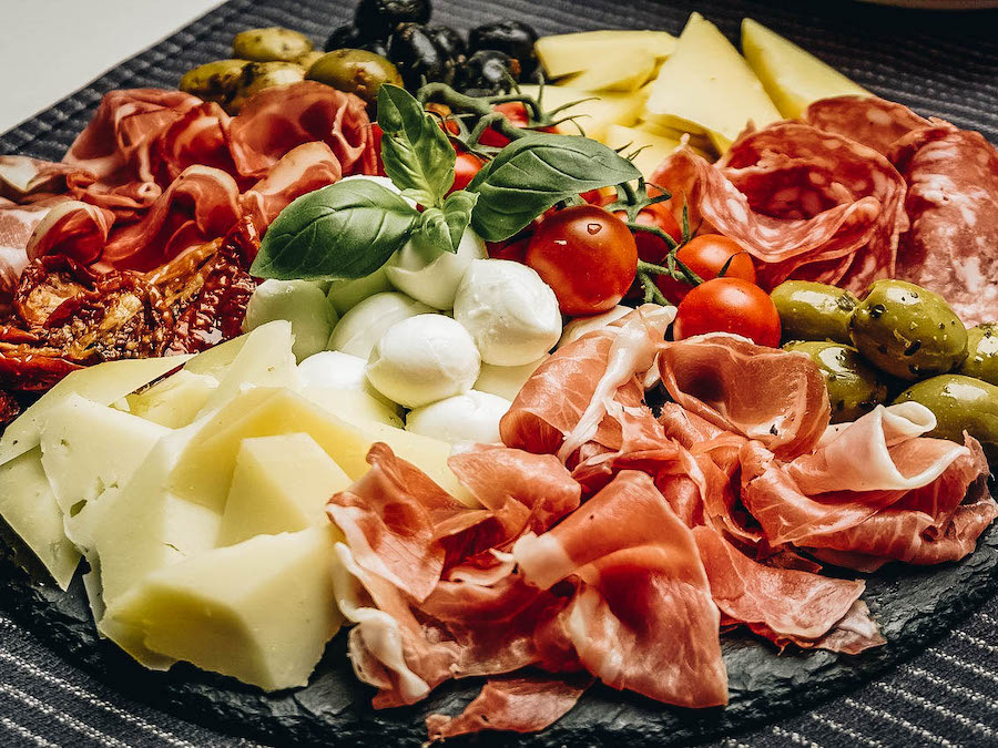 Antipasti platter with meats and cheeses