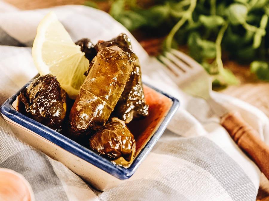 (Popular Greek Food) Dolmadakia