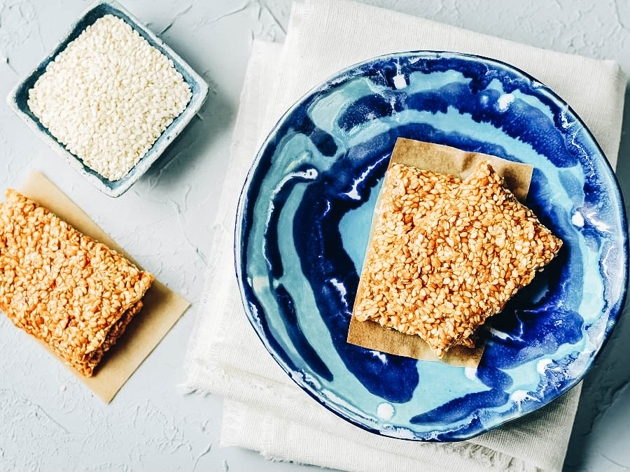 Pasteli or Sesame seed candy
