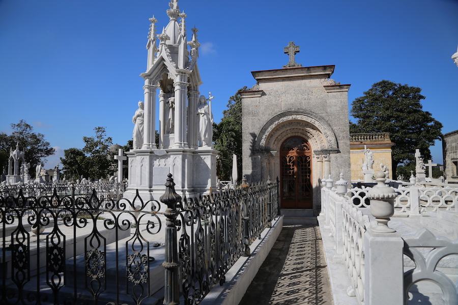 Havana Bucket List: 16 Things to Do & Places to Visit In Cuba's Capital: Colon cemetery