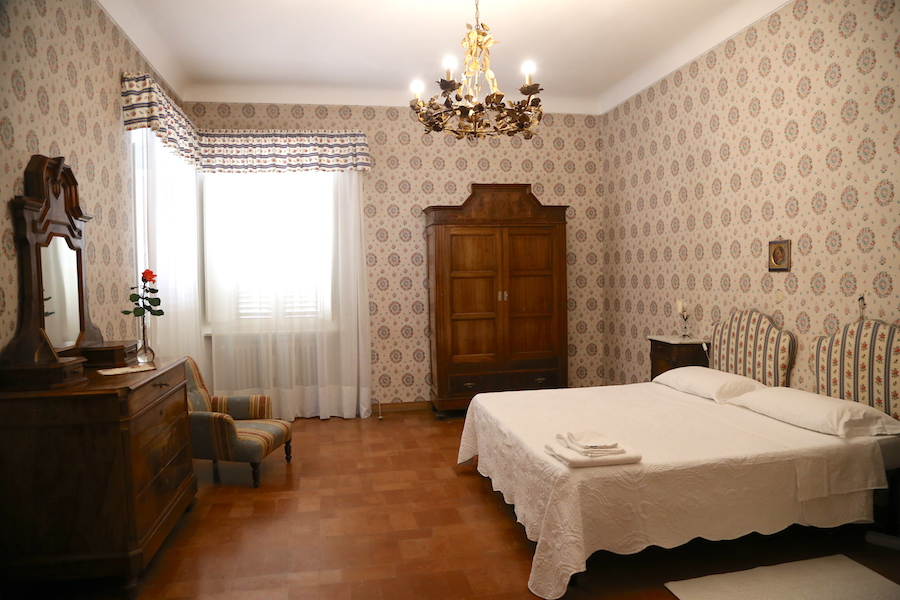 The bedroom at Palazzo Donati in Mercatello sul Metauro