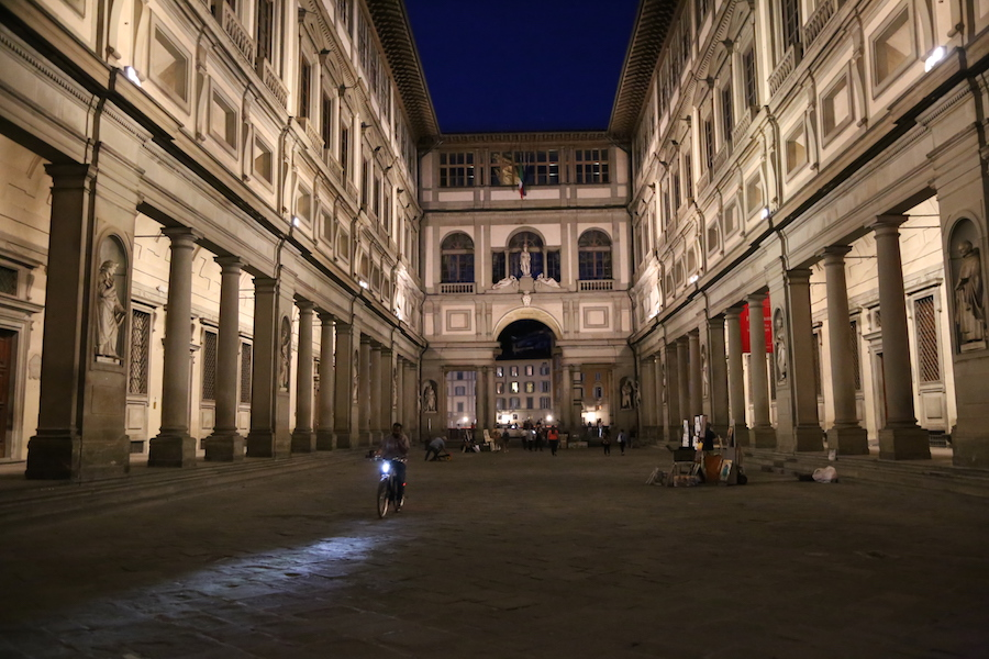 Things to do in Florence, Italy: Visit the Uffizi Gallery