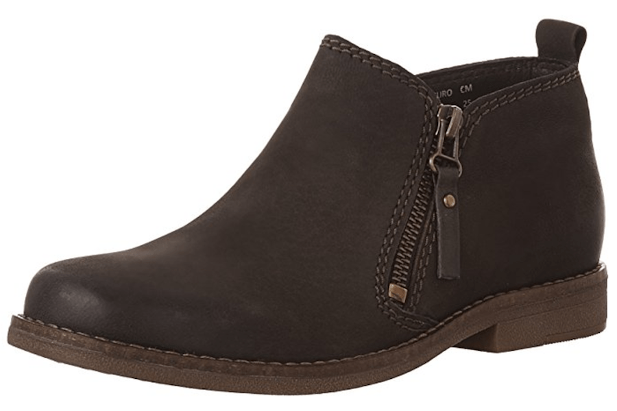 Trendy Travel Boots for the Fall