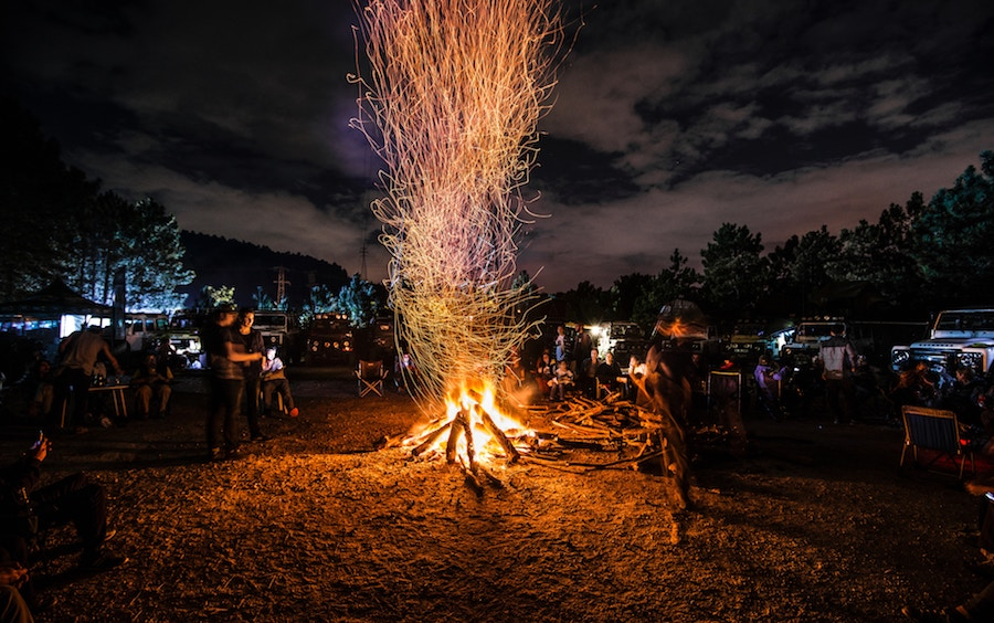 Fun Things for Teens to Do: Go to a Bonfire