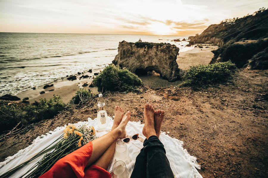 Romantic Activities: Have a picnic