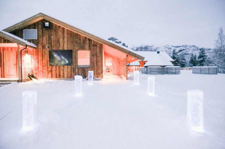 Sorrisniva Igloo Hotel: Sleeping Amongst Ice in Northern Norway