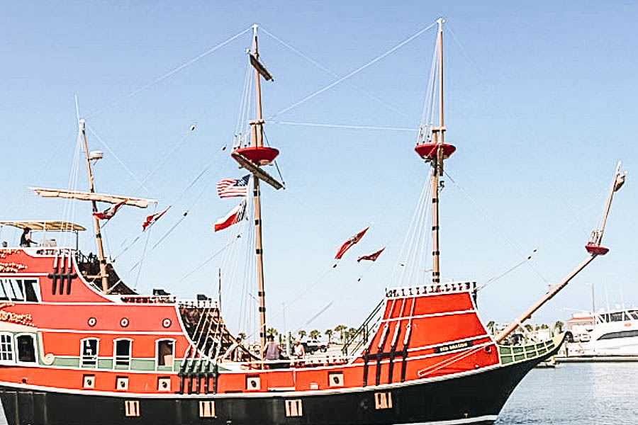 Go Sightseeing at Sea Dragon Pirate Cruise
