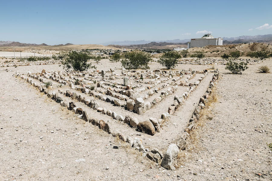 Laughlin Labyrinth: Leaving Las Vegas: Southern Nevada Day Trips to the Outdoors
