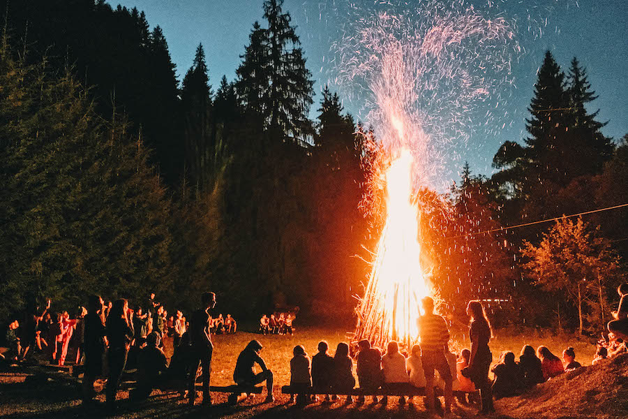 Things to do with Your BFF: Go to a Bonfire
