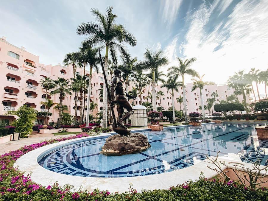 Pueblo Bonito Resorts in Downtown Los Cabos