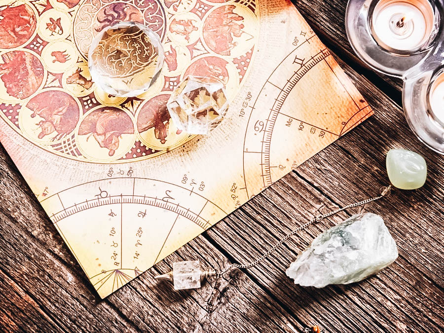Lucky Stones, Crystal Balls and other Items used for Astrology