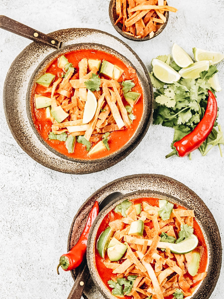 Hot Sopa azteca or tortilla soup